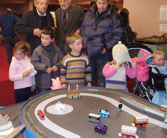 Children operate the Thomas layout